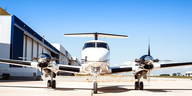 King-Air-B200-light-cabin1