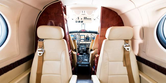 King-Air-B200-light-cabin3