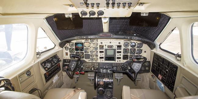 king-air-b200-Light-Cabin-1.4